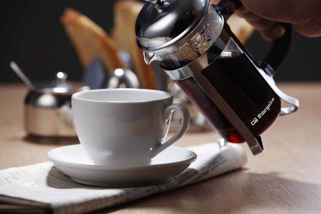 Cafetera francesa de émbolo KFP 800 de Orbegozo